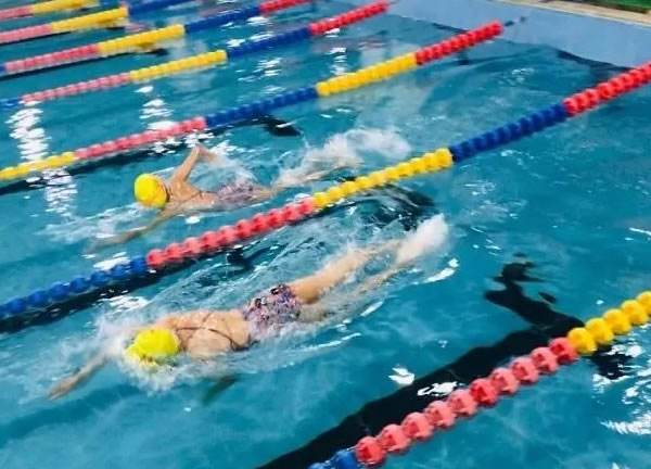 2020年淮北市中小学生游泳比赛落幕